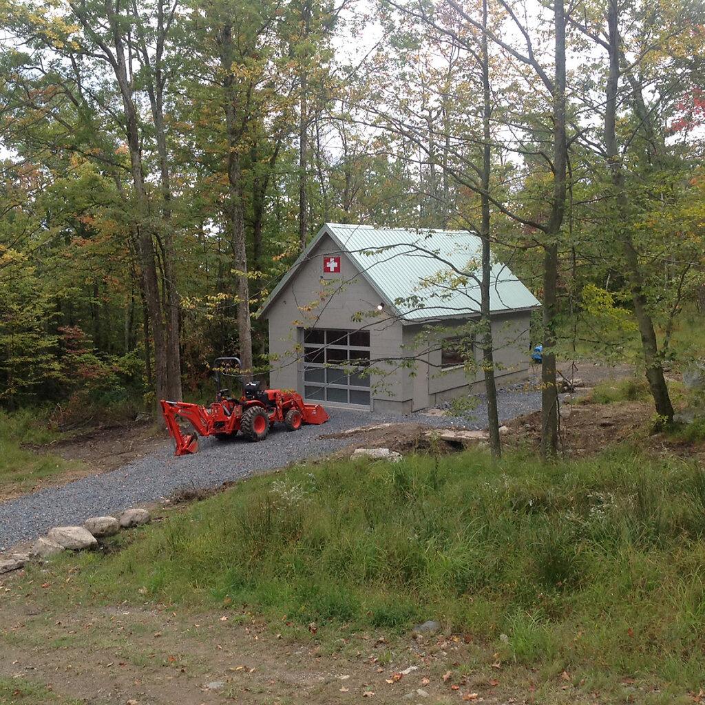 Cragsmoor garage
